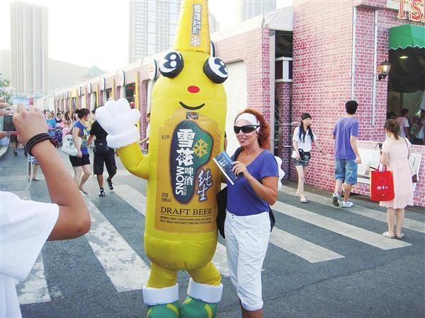 青岛国际啤酒节:20年酿造东方最大啤酒盛会