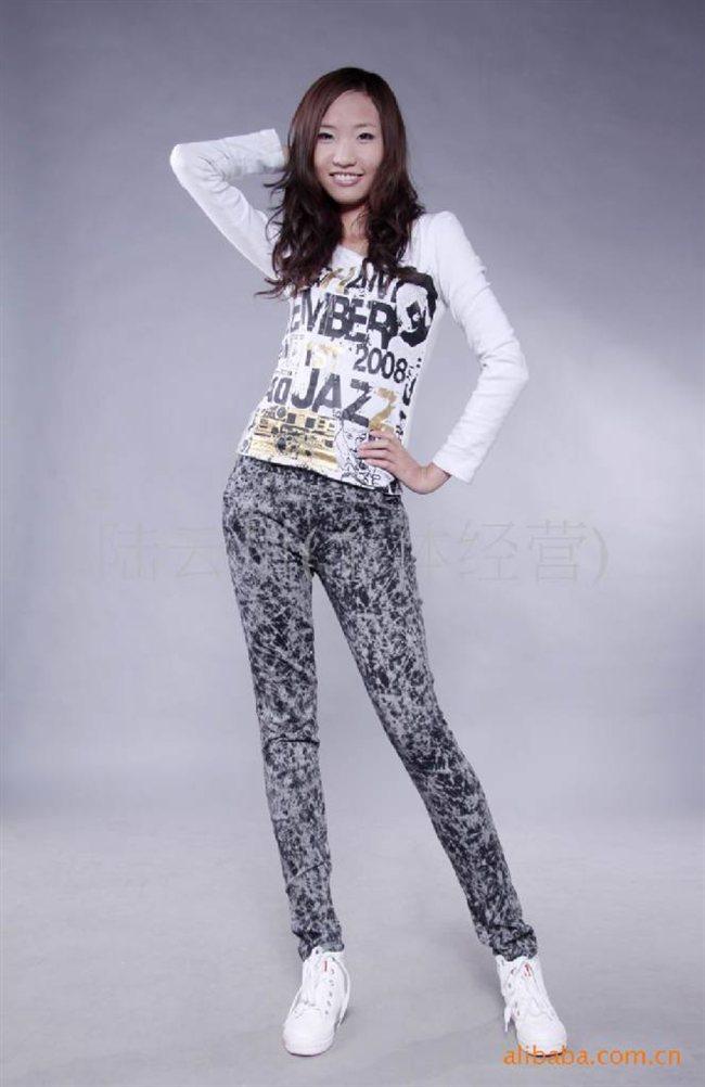 混批2011新版爆款女裤打底裤显瘦小脚裤小腿裤弹力裤
