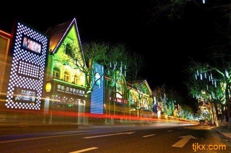 这是继青岛红酒坊,深圳葡萄酒城,上海第一酒市后又一酒街新模式.