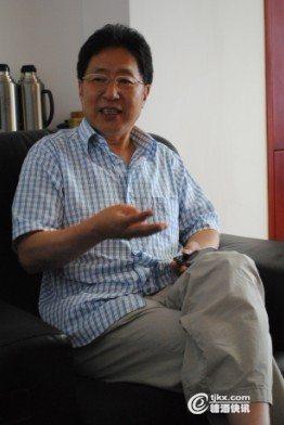 浙江塔牌绍兴酒有限公司董事长郭从洪同记者交流