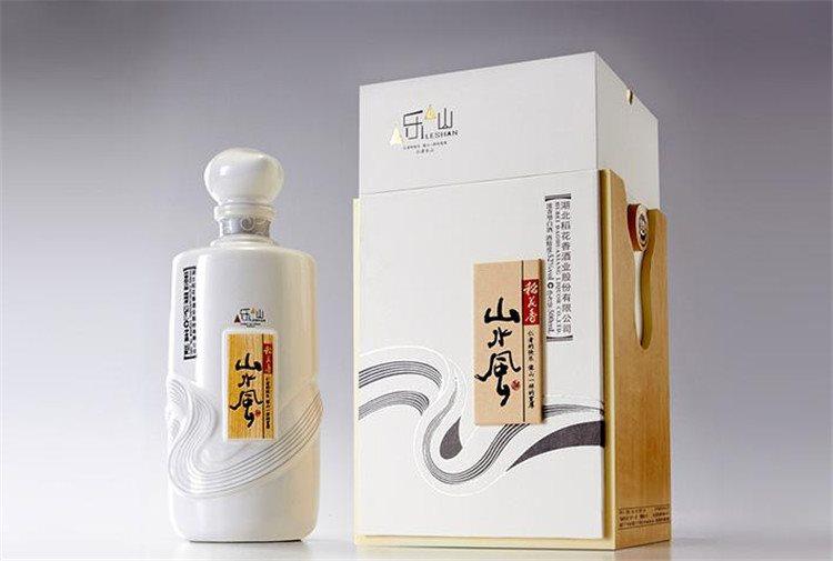 白酒 > 产品详细页     在对稻花香进行创意包装设计的时候,柏星龙